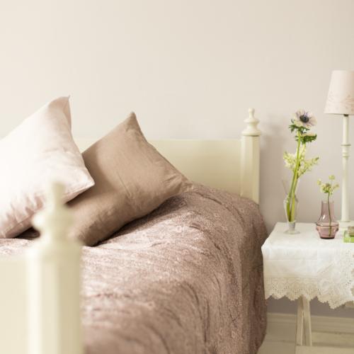 sovrum rosa beige
